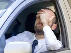 Les avocats experts en Code de la route de Hello Avocat vous expliquent comment contester une amende pour non désignation du conducteur.